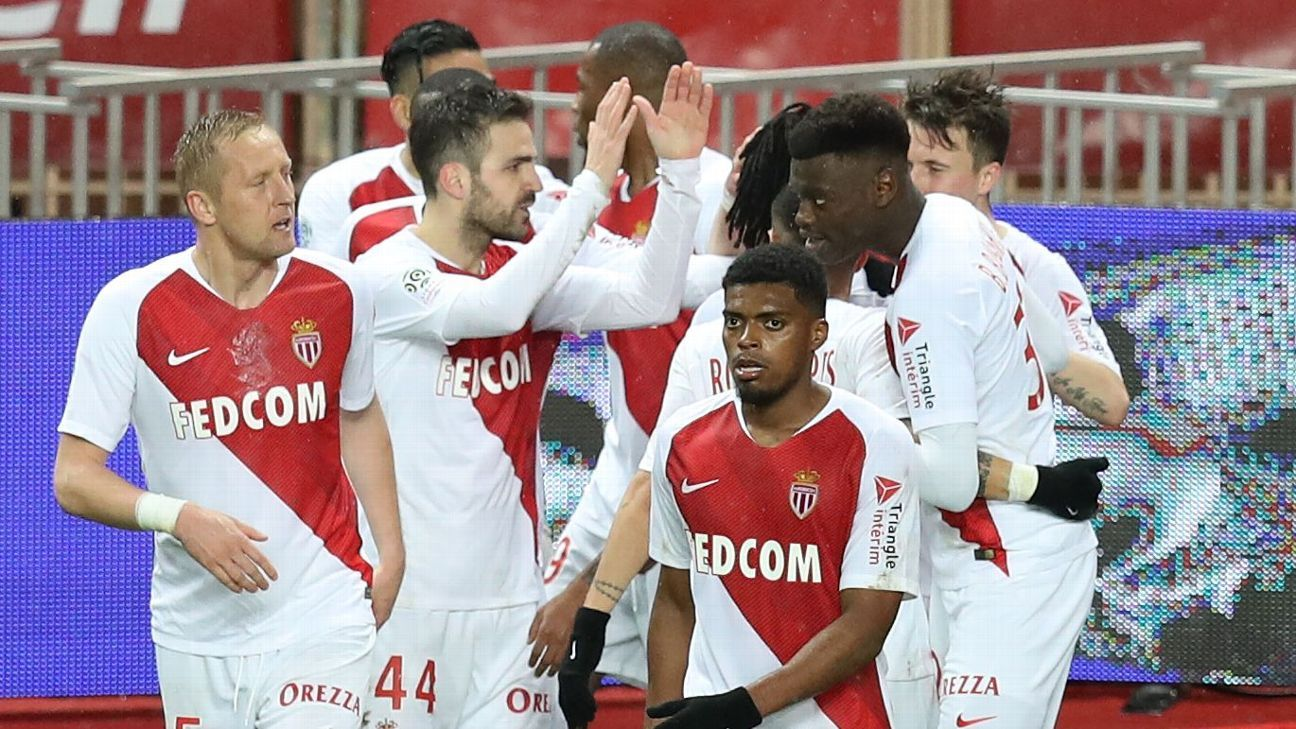 Fabregas scores in Monaco's first win in seven league games