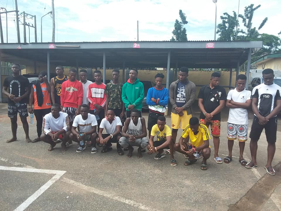 EFCC arrests 22 suspected 'yahoo boys' in Delta, recovers exotic cars [Photos]