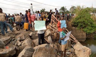 Poly workers lead protest over collapsed Ekiti bridge