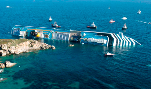 Costa Concordia Runs Aground 600px