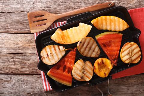 Owoce z grilla
