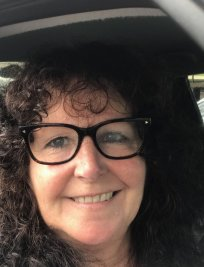 Julie is a private tutor in Hindley