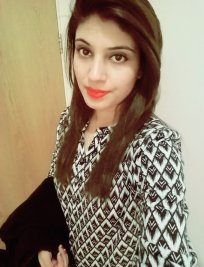 Iqra is a private tutor in Clifton