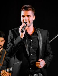 Alexandru offers Singing lessons in South East London