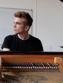 Edward offers Piano lessons in Walthamstow