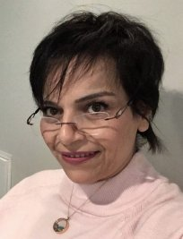 Gelareh is a private English Literature tutor in St Giles