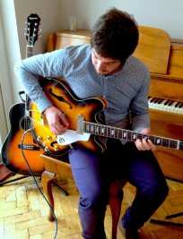 Matthew offers Electric Guitar lessons in Surrey Greater London