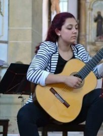 Ines teaches Guitar lessons in Essex Greater London