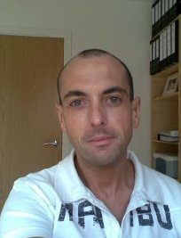 Lee is a private tutor in Derby