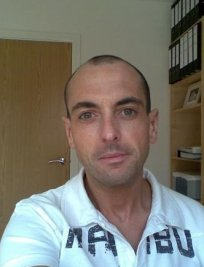 Lee is an IELTS tutor in Wolverhampton