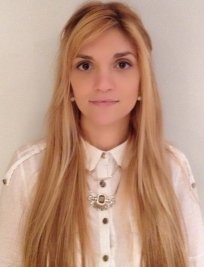 Elena is a private tutor in Normandy