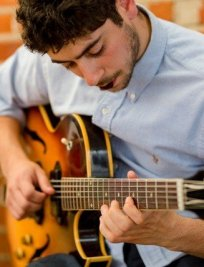 Elias teaches Guitar lessons in Hertfordshire Greater London