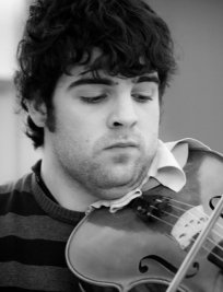 Jordi offers Intermediate Violin lessons