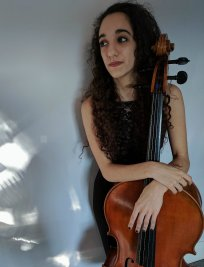 Roxanna offers Popular Instruments tuition in Cambridge