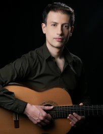 Andreas teaches Guitar lessons in Essex Greater London