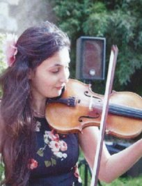 Jenni teaches Beginner Violin