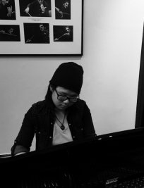 Jocelyn teaches Piano lessons in Ilminster