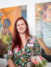 Flora is a private Art tutor in Purley