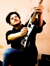 Laurent offers Electric Guitar lessons in South West London