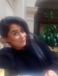 Iqra is a tutor in Wealdstone