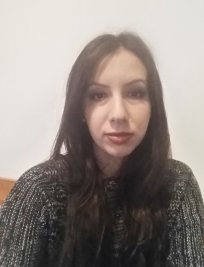 Alexandra is a French tutor in Cheam