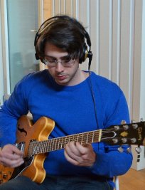 Davide offers Guitar lessons in South East London