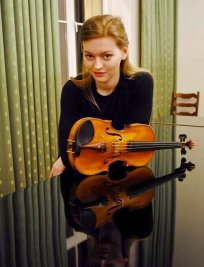 Paula is a private Popular Instruments tutor in London