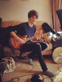 Kit offers Guitar lessons in Cambridgeshire