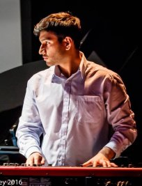 Arun teaches Piano lessons in Manchester