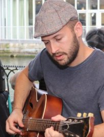 Riccardo offers Guitar lessons in Middlesex