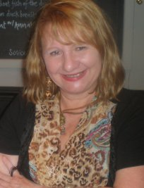 Lynn is an EFL tutor in Ingleby Barwick