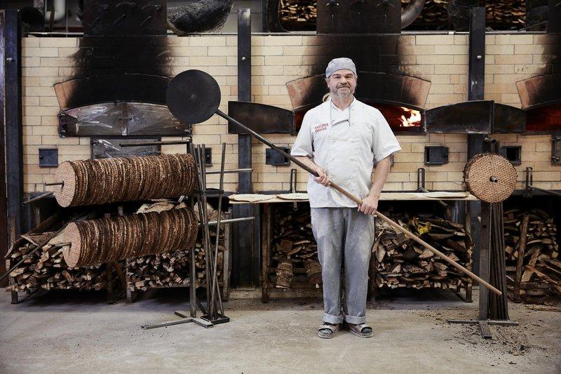 Skedvi Bröd makes Swedish crisp bread
