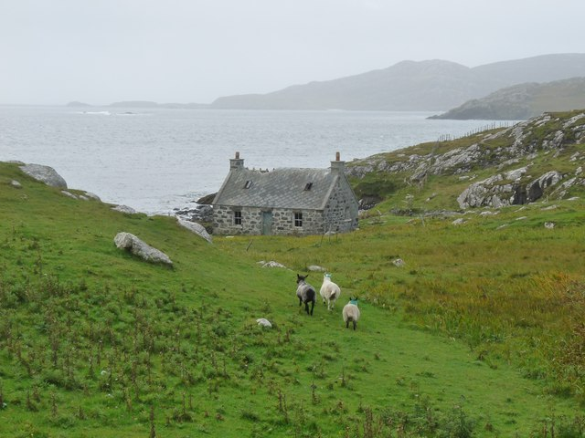 Remote cottage Uidh