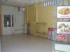 Alquilo local comercial en la zona de Puente de Vallecas