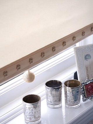 classic charleston trim and matching pull on blind