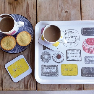 biscuit design kitchen mug and tray gift sets