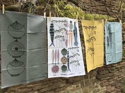picknick elements on a washing line