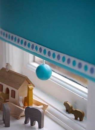 spot braid and turquoise pull on a window blind