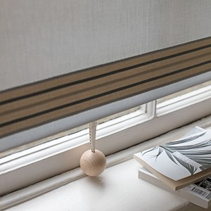 wooden ball blind pull natural- with ribbon