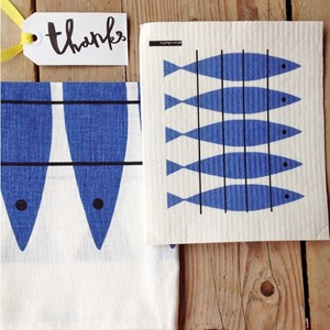 washing-up kit of cotton/linen tea towel and sponge cloth in classic blue and white Marianne Nilsson