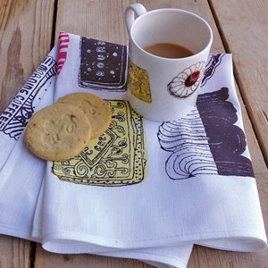 family favourites mug & tea towel gift set