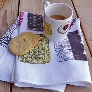 family favourites mug & tea towel gift set