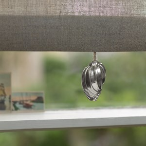 silver seashell roller blind pull in traditional pewter metal