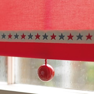 red bobbi ball window blind pulls that are gloss painted wooden balls