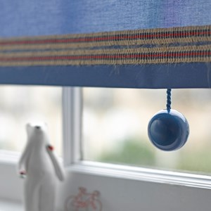 signal blue bobbi ball window blind pulls that are gloss painted wooden balls