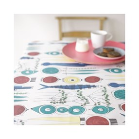 picknick swedish oilcloth a vintage design by Marianne Westman showing simple salad ingredients