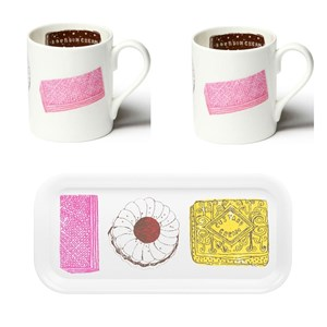 family favourites mugs and drinks tray gift set