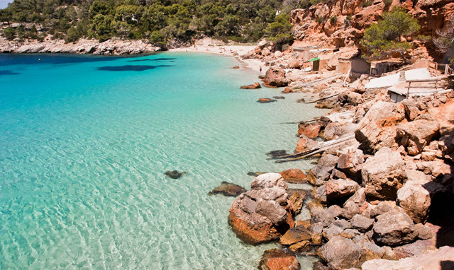 Cala Salada and Cala Saladeta paradise coves to visit sailing around Ibiza.