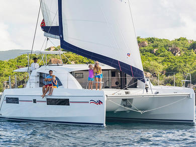 Charter catamaran Moorings 4000 in Palma de Mallorca - Majorca (Balearic Islands)