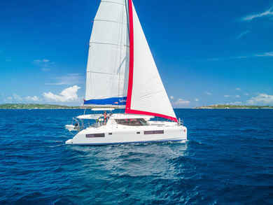 Charter catamaran Sunsail 454 in Road Town - Tortola
